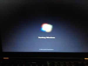 WindowsOSインストールが自動的に始まるstartingwindows