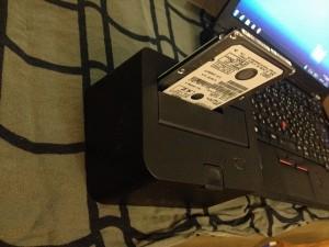 HDDをハードディスクケースに差し込む