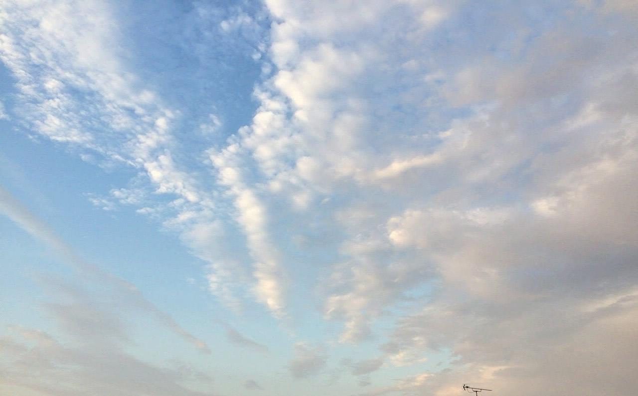 2015-09-13地震雲?気持ち悪い雲だ (3)
